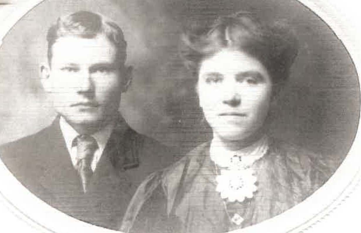 Loy and Maude McCreary Wedding Pic